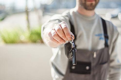 car-buying-car-dealership-car-mechanic-97075 (1)